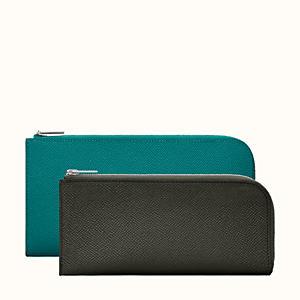 Remix medium wallet, medium model