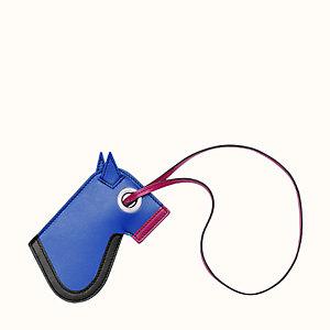 Camail key holder