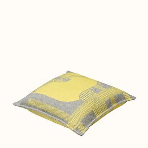 Rocabar pillow