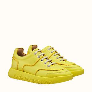 Turn sneaker