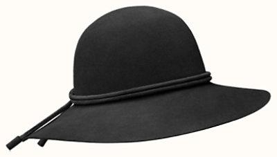 Vicky hat