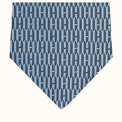 H Gothique tie
