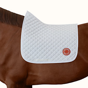 Swing dressage saddle pad