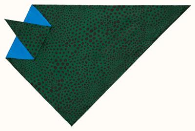 Faune triangle scarf