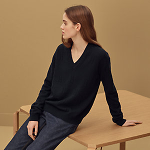 """Voyage"" V-neck sweater"