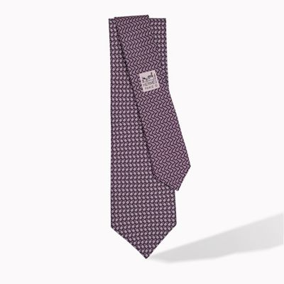 https://assets.hermes.com/is/image/hermesedito/TIE-2_march?name=TIE-2_march&end