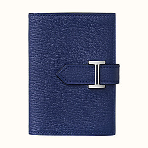 Bearn card holder
