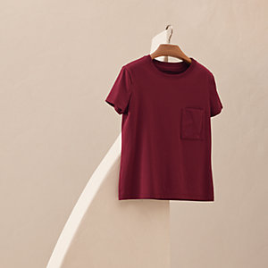 Embroidered pocket straight t-shirt