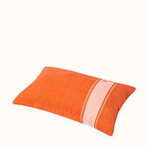 Yachting Uni beach pillow