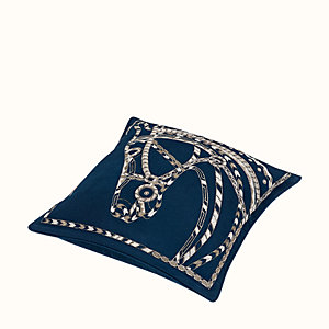 Robe du Soir pillow