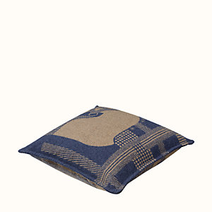 Rocabar pillow