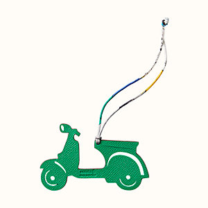 Charm scooter