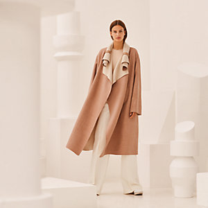 Wide coat with rolled collar