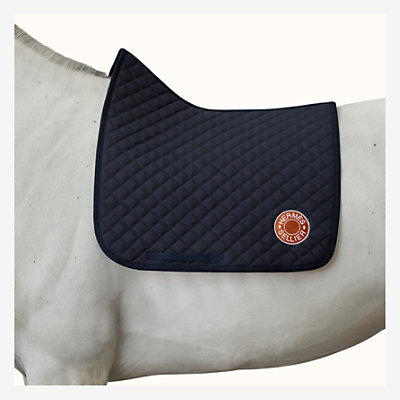 Swing dressage saddle pad -