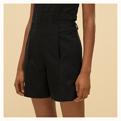 Shorts with loop detail