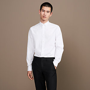 Fitted shirt with topstitching