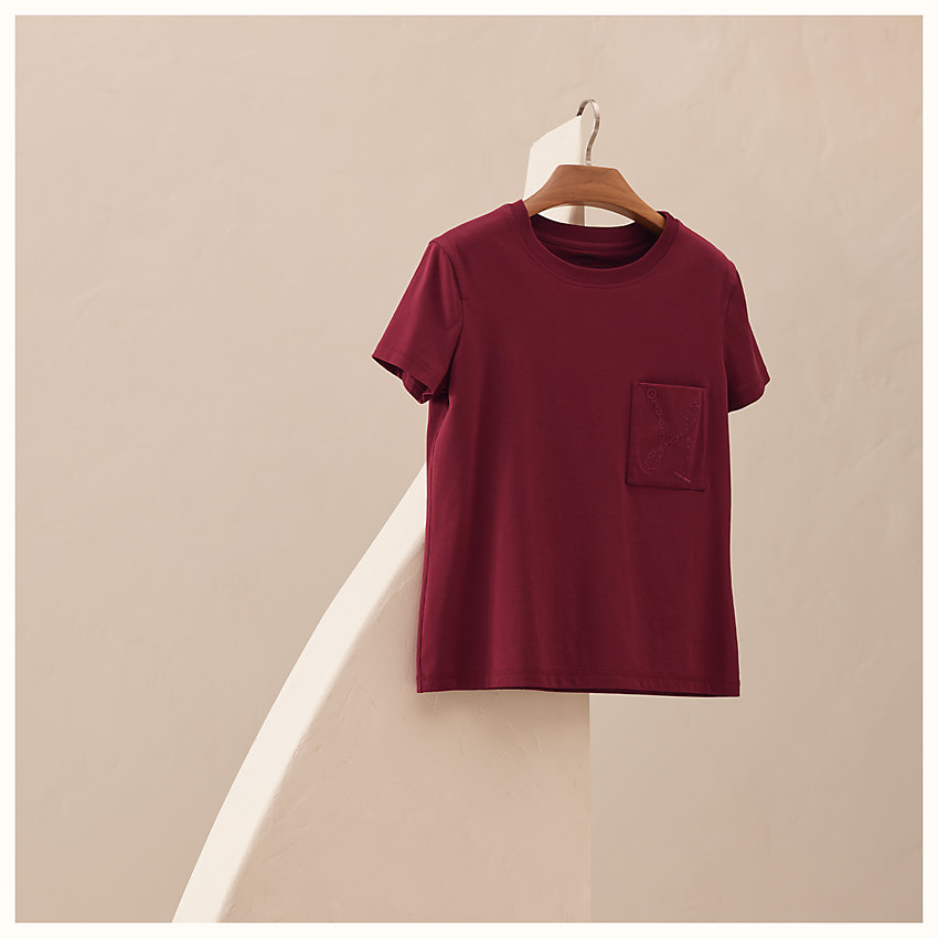 zoom image, Embroidered pocket straight t-shirt