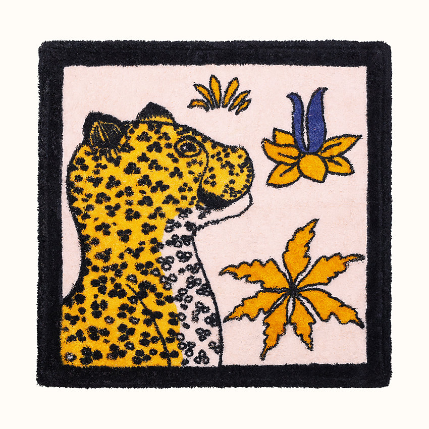 zoom image, Leopards square beach towel