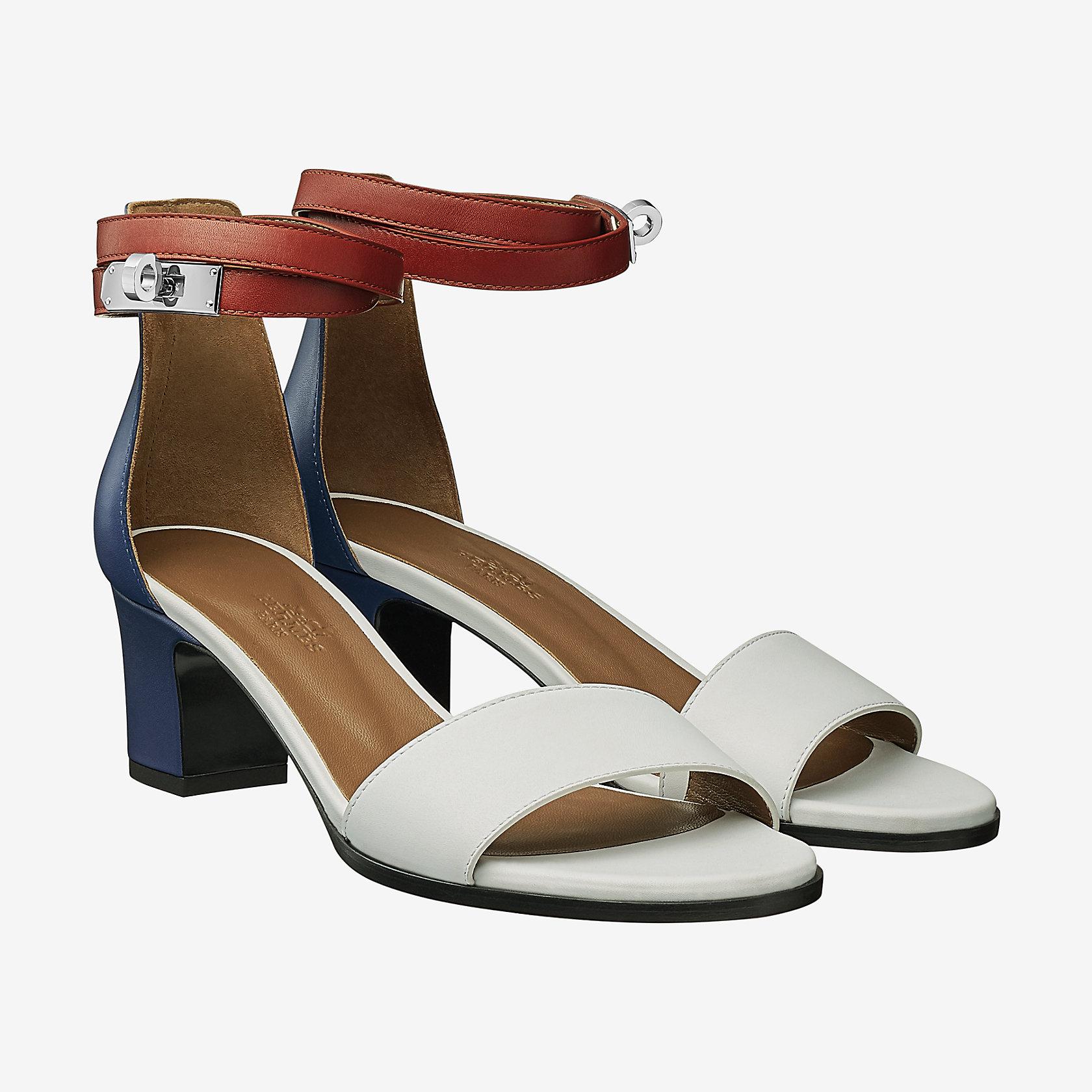 69064e974fcc Manege sandal